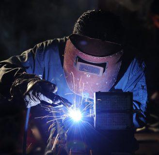Curso de soldadura industrial: conoce lo que debes saber para soldar